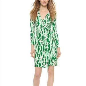 NWOT DVF green twigs new jeanne two wrap dress